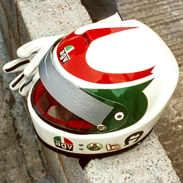 MOD_Lella_Lombardi_Helmet_053
